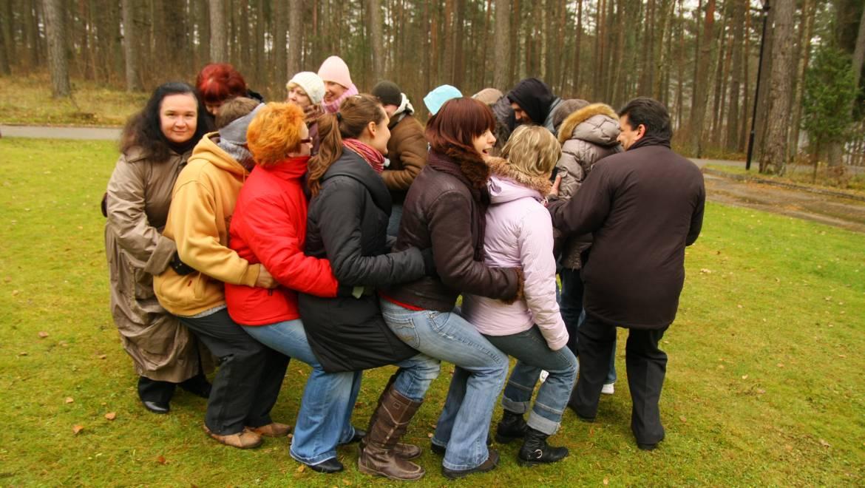 Atsigręžk į romus: Inovatyvios romų dalyvavimo darbo rinkoje priemonės